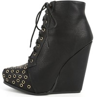 Qupid Obstacle-06 Black Lace Up Wedge Boots | MakeMeChic.com