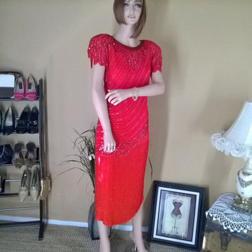 size 6 / 8  Designer Oleg Cassini Sequined Silk Beaded Couture evening dress. Holiday, Prom
