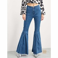 Pleated Bell Bottom Jeans