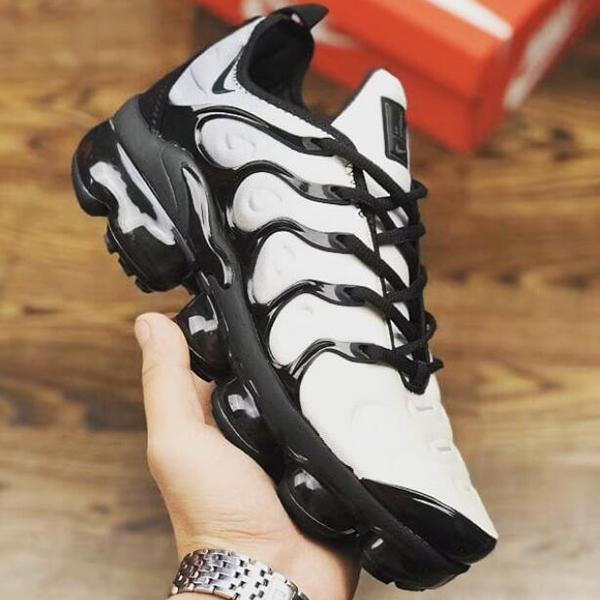 Image of Trendsetter Nike Air Vapormax Plus Woman Men Fashion Running Sport Shoes Sneakers
