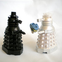 Geeky Cake Toppers, Doctor Who Dalek Wedding, Metallic White Bride