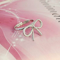 Cute Wired Bowtie Ring