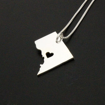 WASHINGTON DC necklace sterling silver WASHINGTON DCnecklace with heart comes with Box chain