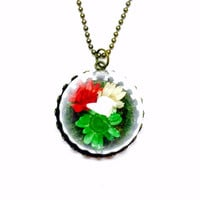 Flower Terrarium Necklace, Woodland Jewelry, Nature Inspired, Small Dried Flowers, Floral Accessories, Terrarium Jewelry, Colorful Pendant