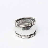 SHIELD SILVER KNUCKLE RING