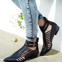 FOREVER 21 Refined Leather Booties