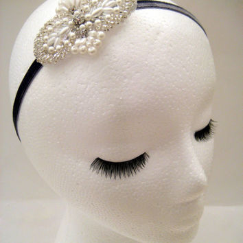 1920s wedding hairpiece, Downton Lady Mary, 1920s prom headband, bridal headband pearl, wedding fascinator white