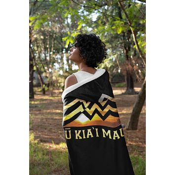 Mauna Hooded Blanket