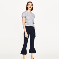 TOP WITH ELASTIC GATHERING DETAILS