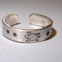 Sterling Silver Toe Ring with Horny Toad Stamp and Stars