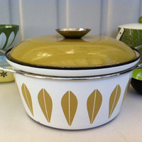 Cathrineholm green lotus pot!! Fab, retro Mid Century enamel Dutch oven/casserole by Catherineholm, Norway!