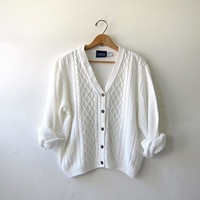 vintage slouchy sweater. white cardigan sweater. cropped cable knit.
