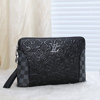 LV Louis Vuitton MEN'S MONOGRAM CANVAS ZIPPY HAND BAG WALLET