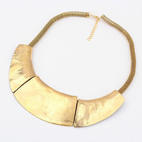 Gold Choker Necklace with Chic Style Alloy Pendant