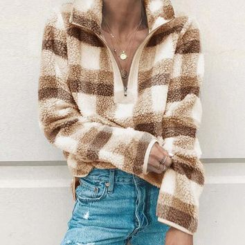 Overland Plaid Pullover in Sand