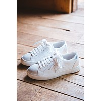 Rezume Distressed Star Sneaker, White | Steve Madden