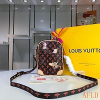 HCXX 19Aug 620 Louis Vuitton LV M44399 Paname Print Cat and Dog Pattern Messenger Bag