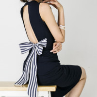 Open back bow tie with hips slim midi dress