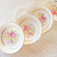 Antique Cottage Style Canonsburg Berry Bowls, Set of 4, Tea Party, Weddings, Vintage, Keystone, Ca. 1940's