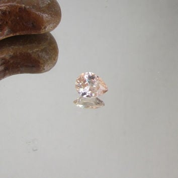 Pear Shape Peach Champagne Sapphire 2 cts Loose Faceted Gemstone for Engagement Ring Gift for Her Weddings