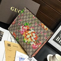 GUCCI Fashionable temperament bag in hand Business envelope bag casual hand bag man
