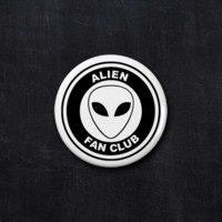Alien fan club button