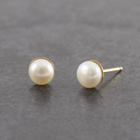 PEARL STUDS Gift, Pearl Studs for Gift, Bridal Gold Pearl Studs, Pearl Earrings, Bridesmaid Gift, Pearl Stud Earrings, Pearl Studs, Wedding