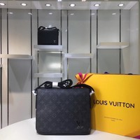 DCCK Lv Louis Vuitton Fashion Women Men Gb29611 M44000 Monogram Eclipse Canvas Bags Messenger Bags District Pm 22*25*8cm