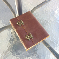 ONLY 1PCS Vintage Leather Journal Diary Guestbook with Cool Clasp Lock A5 Blank Craft Paper Handmade Red Brown with Gift Box