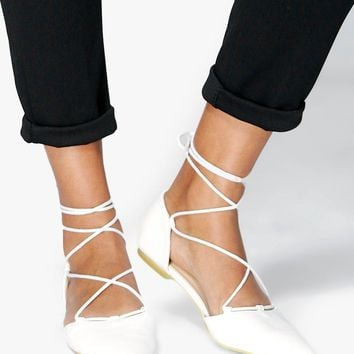 Isabelle Ghillie Tie Pointed Flat