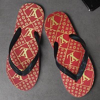 LV Louis Vuitton New Products Men's and Women's Flip-Flops XL Personalized Beach Flip Flops Shoes Red