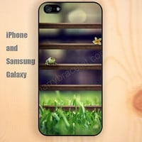 Frogs flowers on the wooden fence iphone 6 6 plus iPhone 5 5S 5C case Samsung S3,S4,S5 case Ipod Silicone plastic Phone cover Waterproof