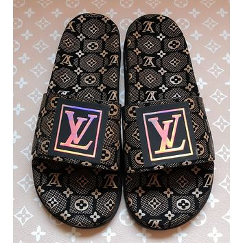 shosouvenir  Louis Vuitton LV Fashionable and casual slippers with thick soles