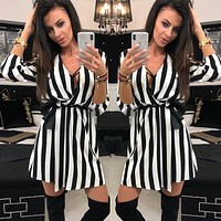 2020 new women's striped lace-up V-neck loose casual dress