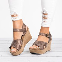 Distressed Leather Wedges Sandals - Bronze