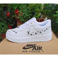 Louis Vuitton LV white shoes casual trend board shoes men and women air force one shoes