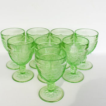 Chantilly Green Water Glasses, Vintage Indiana Glass Green Goblets by Tiara, Floral Sandwich Pattern, Set of 8 Light Green Glasses