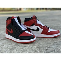 Air Jordan 1 Homage To Home (GS)  861428-061