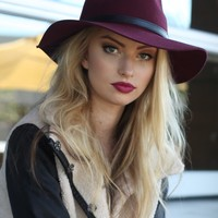 West Coast Wardrobe Desert Babe Festival Hat in Burgundy