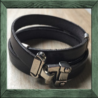 Leather Wrap: Buckle
