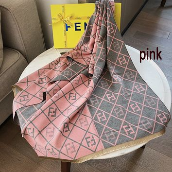 Fendi FF letter cashmere scarf, warm autumn and winter thick shawl, double-sided two-tone long scarf