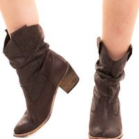 Not Quite Vintage Princess of the Prairie Boots - 6.5