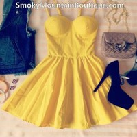 Sexy Yellow Bustier Dress with Adjustable Straps - Size XS/S/M - Smoky Mountain Boutique