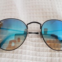 blue mirrored ray ban sunglasses
