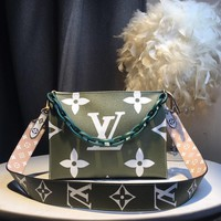 Kuyou Gb59717 Lv Louis Vuitton Big Chain Leather Green Inclined Shoulder Bag 25*20*5