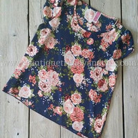 FLIRTY IN FLORAL SCOOP NECK BLOUSE