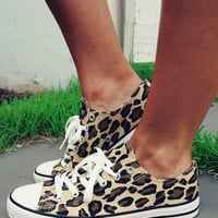 Running Wild Sneakers: Cheetah