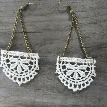 Ivory Lace Dangle Earrings, Anthropologie Style Earrings, Shabby Chic Earrings, Rustic Earrings