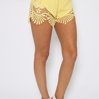 Valley Shorts - Yellow