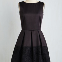 Mid-length Sleeveless Fit & Flare Open Air Concerto Dress